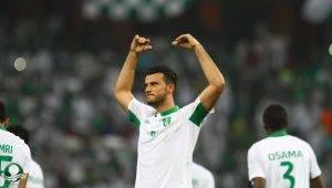 آخر المعلومات عن مستقبل نجم الأهلي السعودي عمر السومة مع المنتخب السوري