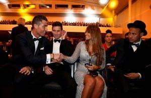 من هو اللاعب الأكثر شعبية في العالم !
