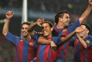 رونالدينيو مع ريفالدو وكلويفرت لقيادة هجوم برشلونة من جديد !