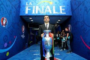 تشافي يتحدث عن كرة القدم في قطر