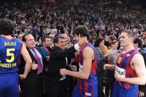 لابورتا يضرب إدارة برشلونة من جديد
