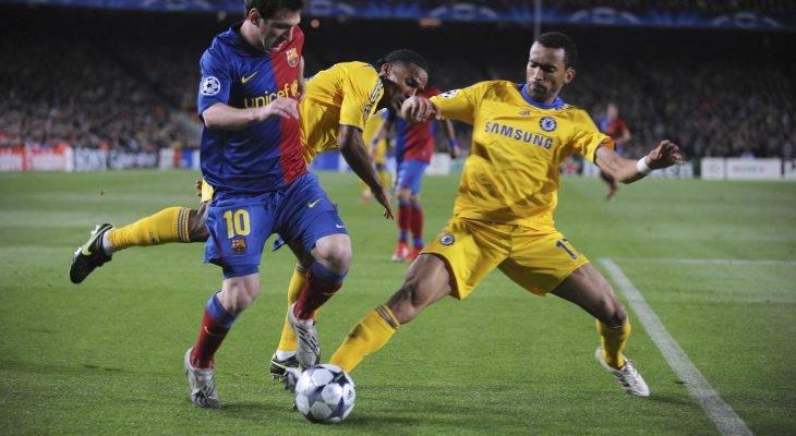قائد الدوري الإسباني برشلونة سيحاول حل عقدته مع أبطال ستامفورد بريدج