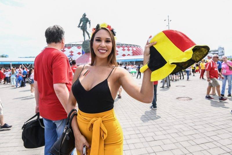 ( اليوم العاشر) كأس العالم لكرة القدم والجمال! ، إليكم بعض الصور