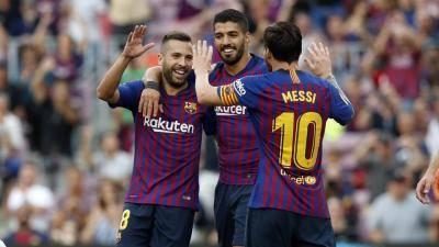 برشلونة يسحق هويسكا بثمانية أهداف ويعود للمرتبة الأولى في الليجا