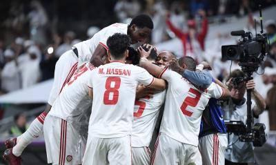 المنتخب الإماراتي والمنتخب القطري إلى نصف النهائي
