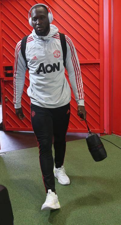 هل يبقى لوكاكو مع مانشستر يونايتد