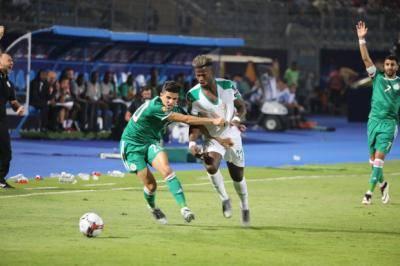 الجزائر تبلغ ثمن النهائي بهدف نظيف على السنغال