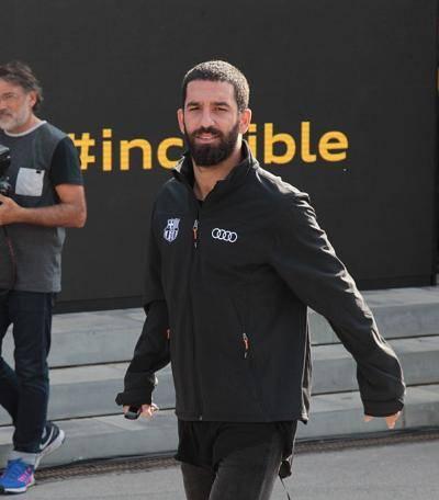 هل يدخل أردا توران لاعب برشلونة إلى السجن