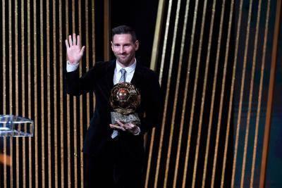 ميسي والكرة الذهبية في الصحف العالمية