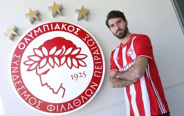 Iranian footballer Karim Ansarifard joins Olympiacos
