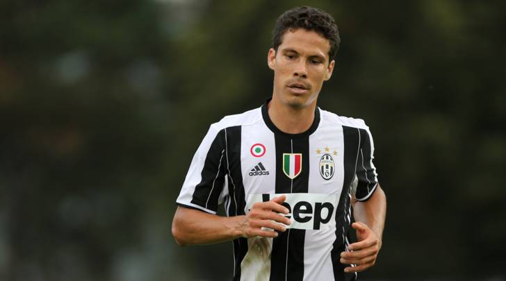 Hernanes completes move to Hebei China Fortune