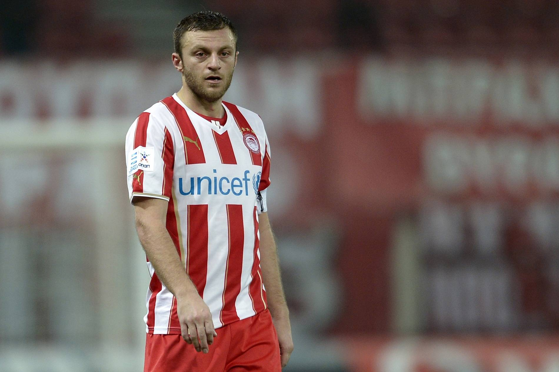 Greece defender Avraam Papadopoulos joins Brisbane Roar