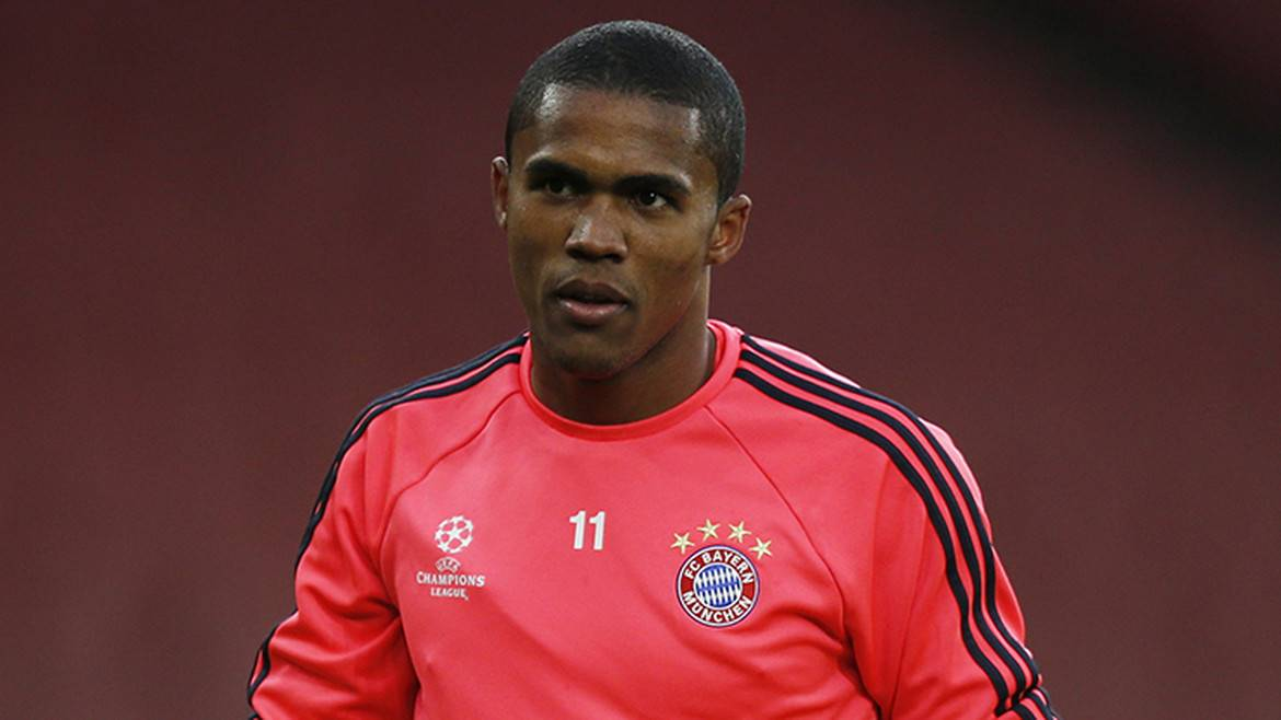 Douglas Costa would consider China move