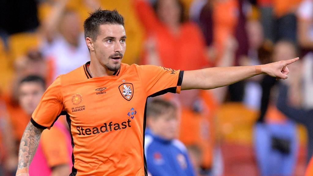 Brisbane Roar's Jamie Maclaren denies Manchester City rumours