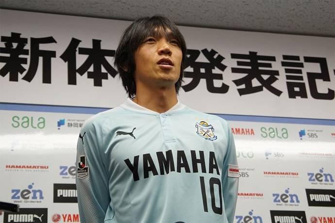 innovative design c66a4 99972 VIDEO: Shunsuke Nakamura scores a screamer in J1 League ...