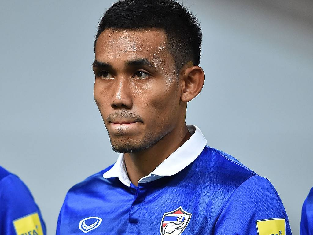 Unfit Teerasil Dangda still joins training camp for qualifier against UAE