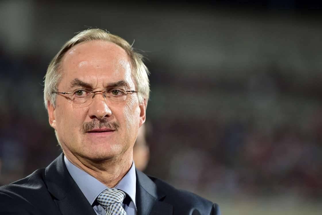 Uli Stielike to stay on as South Korea head coach