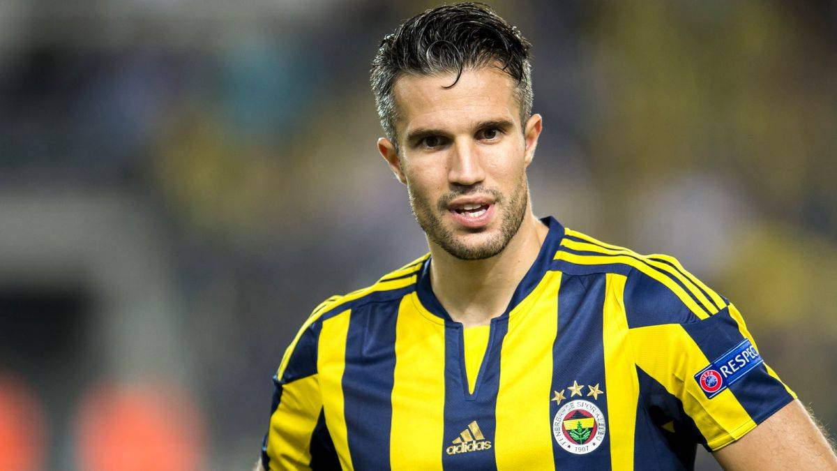 Hebei China Fortune deny approach for Robin van Persie