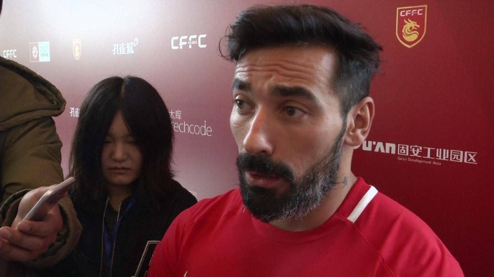 Ezequiel Lavezzi facing racism backlash after posting controversial photo