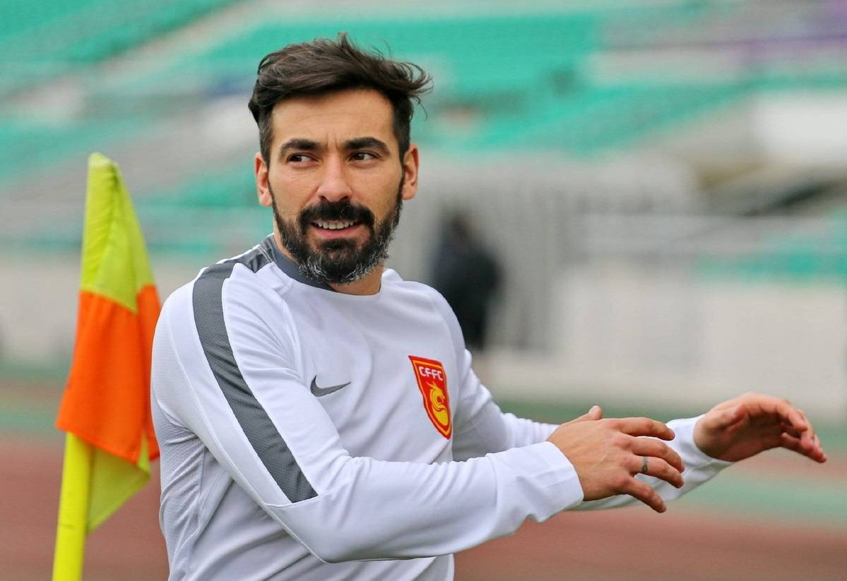 Ezequiel Lavezzi revealed as highest paid footballer in the world