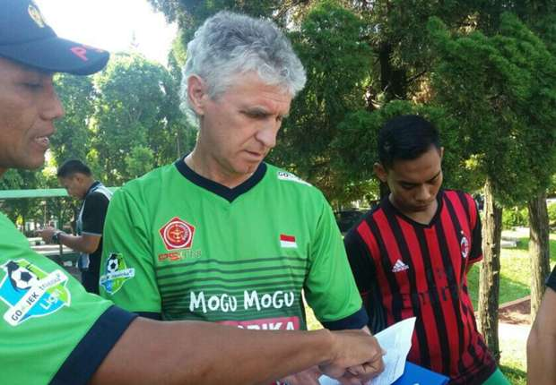 PS TNI confirm appointment of Ivan Kolev as new coach to replace Laurent Hatton