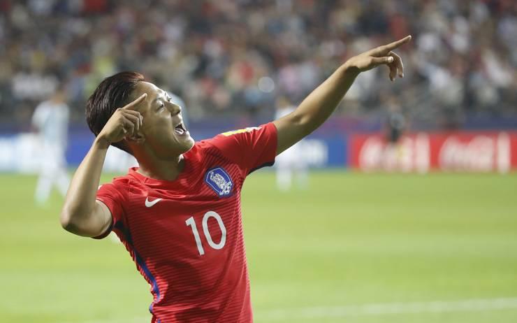 Uli Stielike won't rush Barcelona duo into South Korea senior team