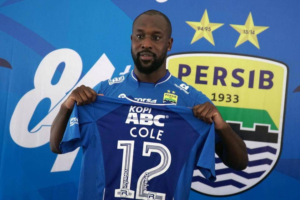 Carlton Cole ready to play for Persib Bandung despite exit rumors
