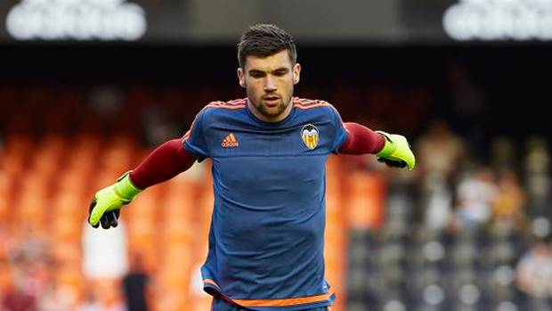 Brighton & Hove Albion break transfer record for Mat Ryan