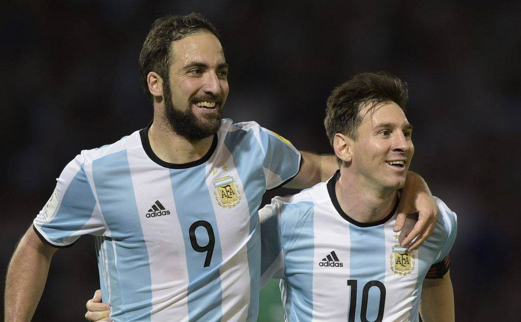 Lionel Messi and Gonzalo Higuain to miss Singapore friendly
