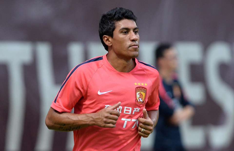 Feng Xiaoting tells Paulinho to help him score ten goals before leaving