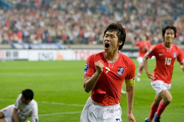 Park Ji-sung shows supports to South Korea national team before crucial World Cup qualifiers