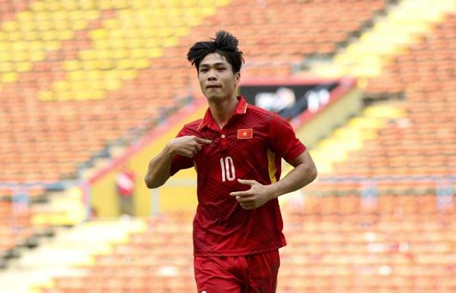 Cong Phuong double fire Vietnam U-22 to victory over Cambodia