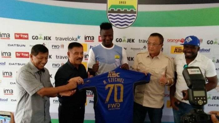 Persib Bandung sign Chad international Ezechiel N'Douassel