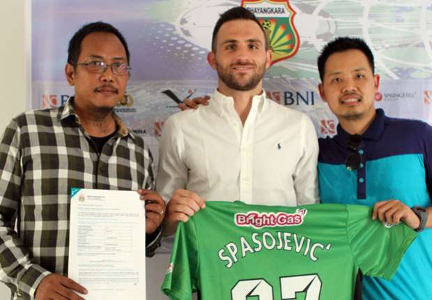 Ilija Spasojevic returns to Indonesia after signing for Bhayangkara FC