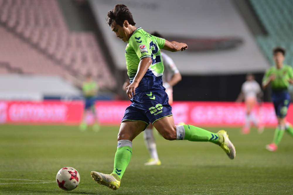Record-setting Lee Dong-gook propels Jeonbuk Motors to fifth K-League title