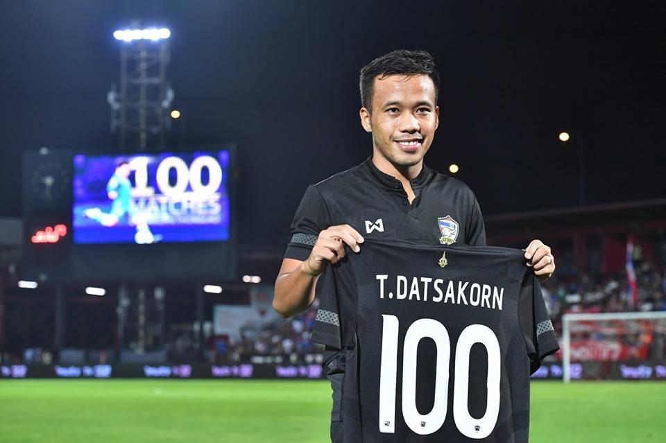 Centurion Datsakorn Thonglao shares the credit after Thailand win