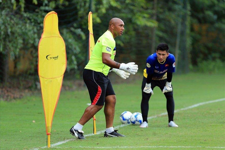Coach Jason Brown: Vietnamese goalkeepers have quality to play in Europe