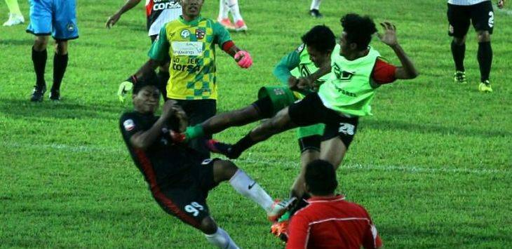 Massive brawl breaks out at Indonesian football league