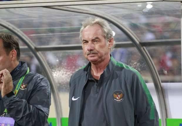 Former Indonesia national team head coach Alfried Riedl set to return to Liga 1