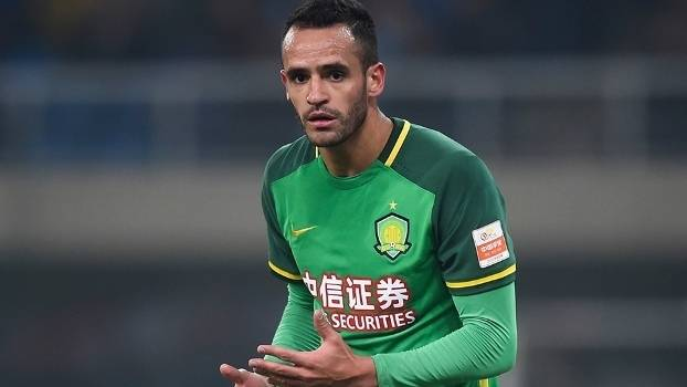 Renato Augusto pens four-year Beijing Guoan contract extension