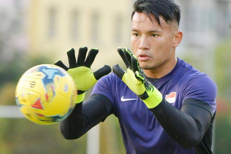 Singapore number 1 goalkeeper Hassan Sunny targeted by two Thailand clubs