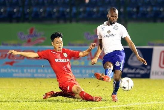 Boeung Ket forward Julius Oiboh keen to play in Vietnam