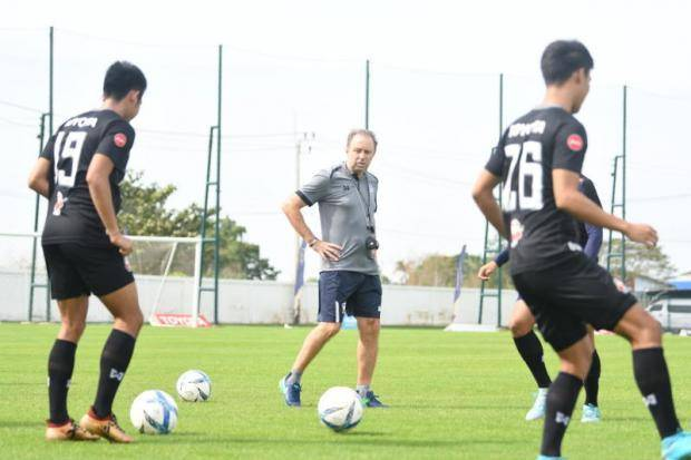 Milovan Rajevac helps Thailand U-23 team in M-150 Cup preparation