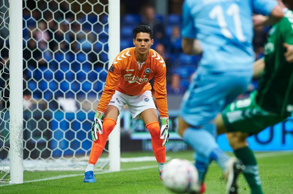 Bangkok United set to sign Danish-Filipino goalkeeper Michael Falkesgaard