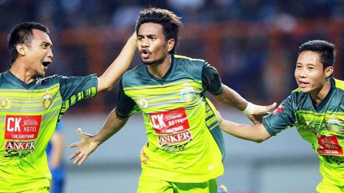 Selangor FA officially announce the signing of Indonesian duo Evan Dimas and Ilham Armaiyn