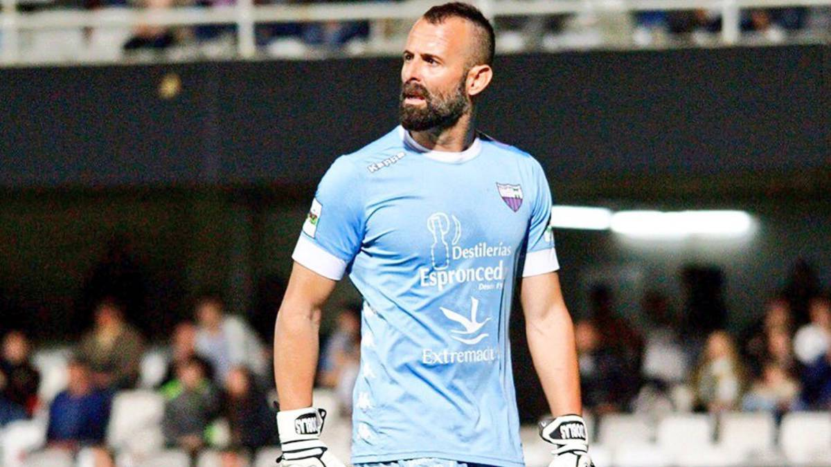 Ceres-Negros set to sign former Real Betis goalkeeper Toni Doblas