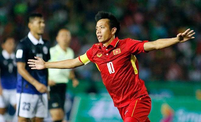 Vietnam national team captain Nguyen Van Quyet decides to stay at Hanoi FC