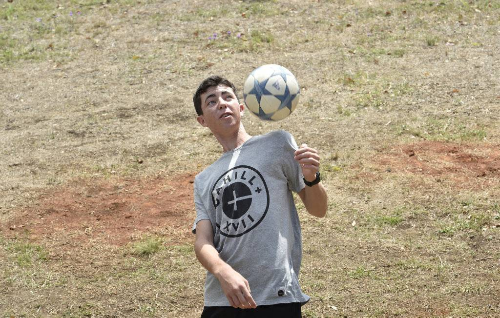 Australian teen caught the eye Real Madrid with football trick-shots
