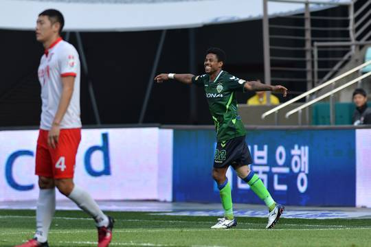Jeonbuk's squad depth saves the team