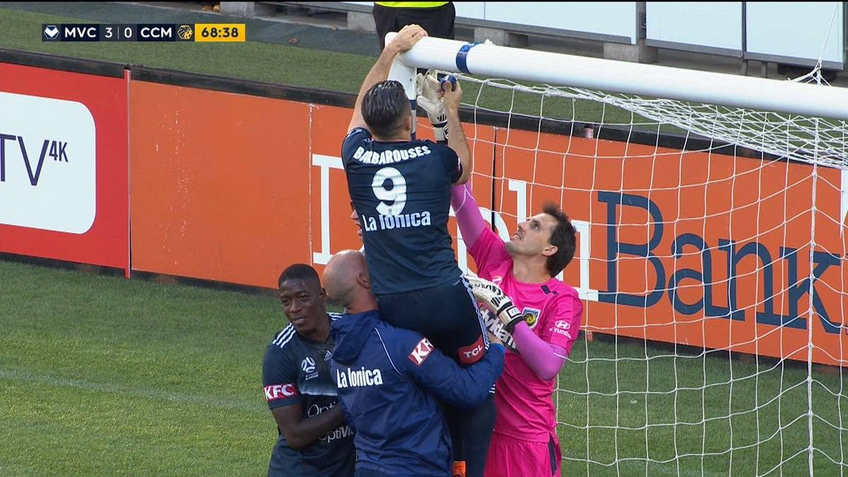 A-League players have to fix broken net during match